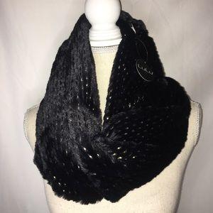 LULU black scarf wrap